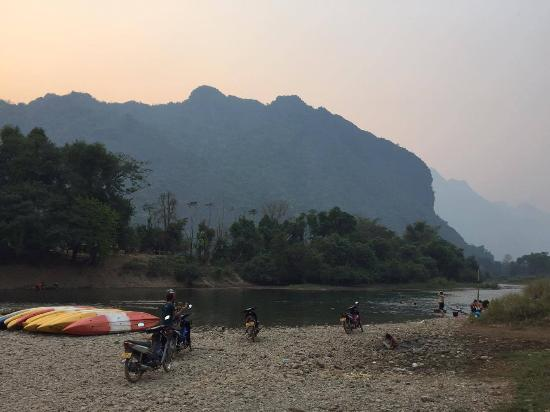 Vang Vieng Organic Farm: The Song river just 5 steps from the Organic Farm.