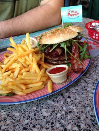 Dettelbach, Alemania: Rocky Mountain Bacon Burger