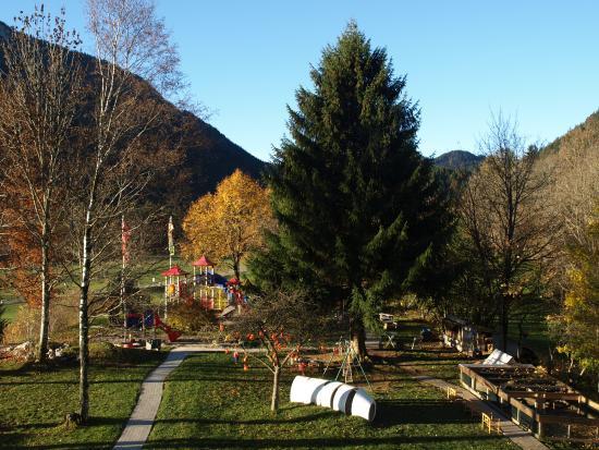 Hotel Bavaria: Blick auf Spielplatz vom Balkon
