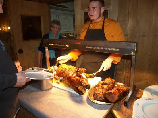 Hotel Bavaria: Jeden Abend leckeres Essen (Ritterbüffet)