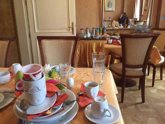 Hotel U Jezulatka: Pulizia sala Colazione