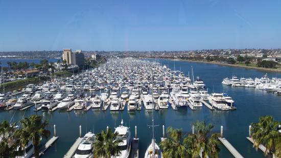 Sheraton San Diego Hotel & Marina: From the elevator bank