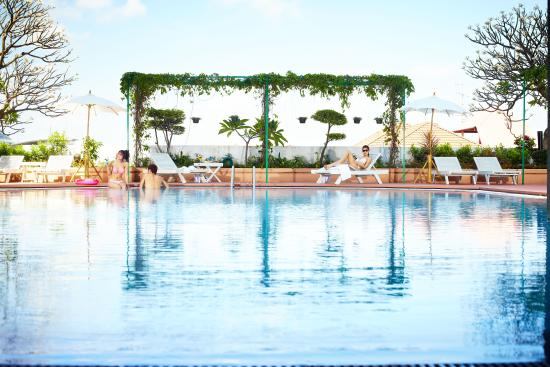 The Royal City Hotel: Outdoor Swimming Pool