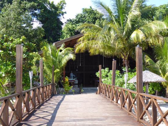 Patuno Resort Wakatobi: Jetty Walk