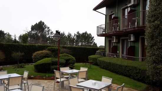 Lombina Hotel: terraza exterior