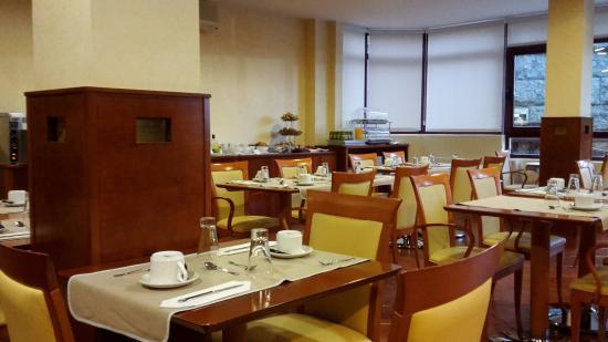 Lombina Hotel: comedor