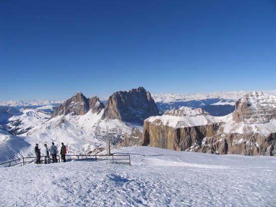 la vista del Sassolungo in inverno dal Sass Pordoi - Foto di La ...