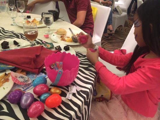 Acacia Hotel Manila: Hunted eggs