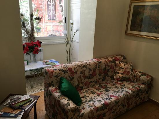 B&B Tucci's house Roma: Sala di attesa/ingresso