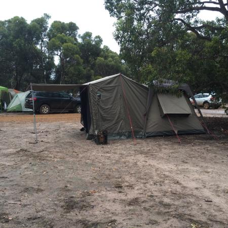 Amelup, Australien: Plenty of room for large tents and campers and caravans