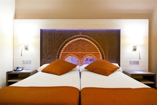 Corona de Granada Hotel: Habitacion Doble