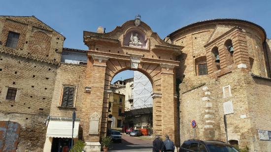 Penne, Itália: Porta San Francesco
