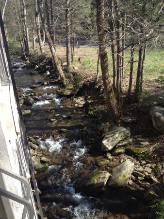Sidney James Mountain Lodge: photo2.jpg