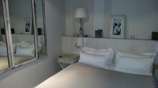 Schoenhouse Apartments Photo