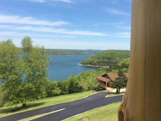 Lake Shore Cabins on Beaver Lake: Mountain Top Cabins have full 180 degree views of the lake!