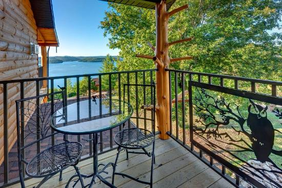 one of 4 decks at the treetop suite picture of lake shore cabins rh tripadvisor com