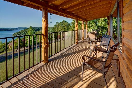 Lake Shore Cabins on Beaver Lake: Large decks on every cabin...with SPECTACULAR views of Beaver Lake!
