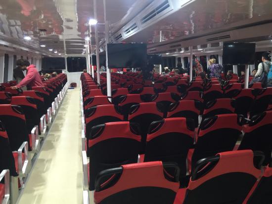Lomprayah Boat Transfer: в салоне самого нового в линейке катамаранов Ломпрайя