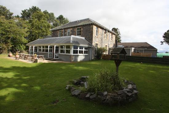 Columba House Hotel: walled garden