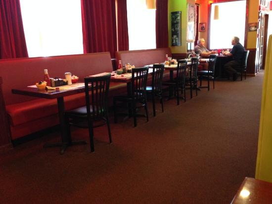tables in large dining room picture of broadway diner rh tripadvisor com