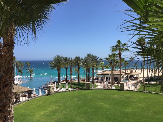 Hilton Los Cabos Beach & Golf Resort: Another view towards the ocean