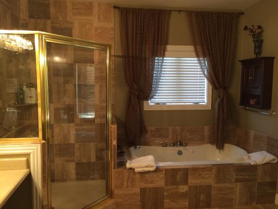 The Shower Jacuzzi Tub In The Southern Grace Suite Picture Of