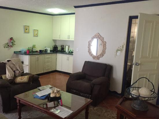 Club Arias B&B: Living area Suite 3