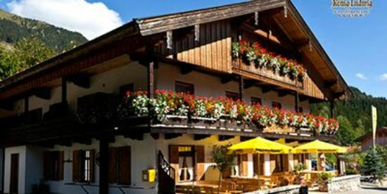 gaststube zum wurz bayrischzell restaurant bewertungen telefonnummer fotos tripadvisor. Black Bedroom Furniture Sets. Home Design Ideas
