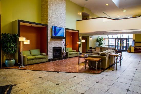 Lexington Hotel Rochester Airport: Lobby