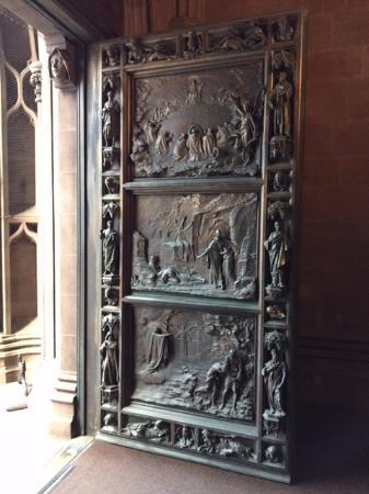 Trinity Church Front door & Front door - Picture of Trinity Church New York City - TripAdvisor