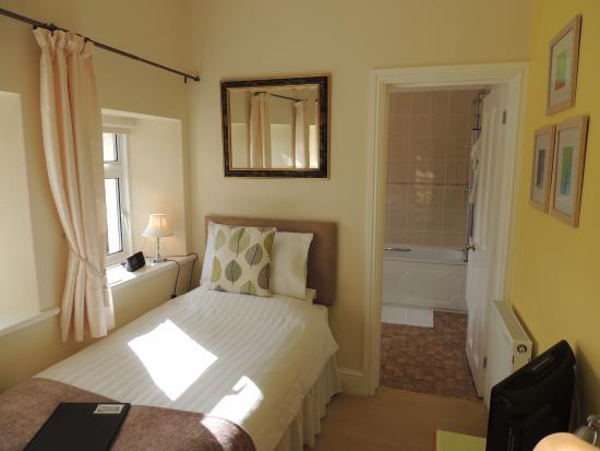 Cedar House: Bedroom 4 (Single room)