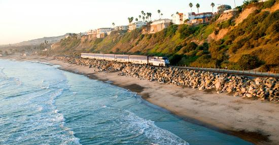 ‪Amtrak Pacific Surfliner‬