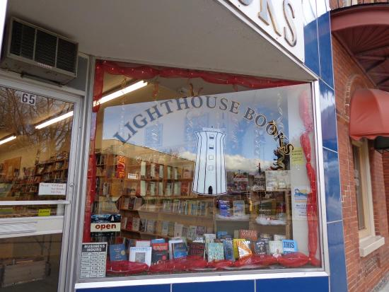Brighton, Canada: Lighthouse Books
