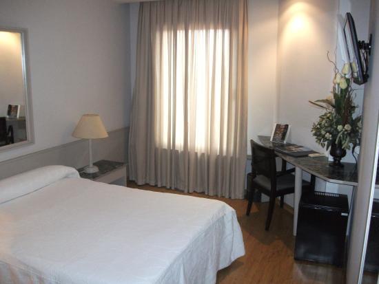 Hotel Zenit Calahorra: Habitación