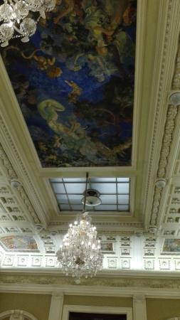 architetture dell'hotel e affreschi
