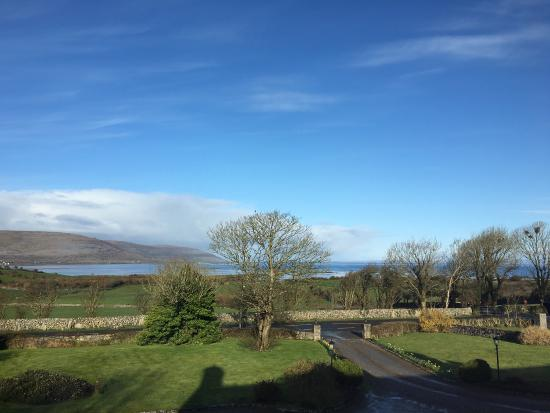 Drumcreehy Country House: Wonderful view out of the window, perfect facilities within the house, love it soooo much. I hop