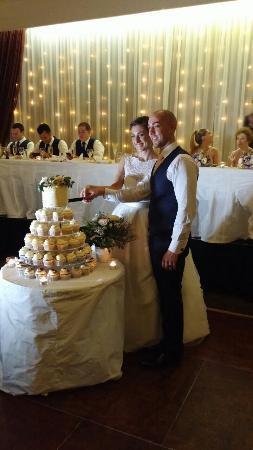 Hillstone St. Lucia: Cutting of Cake
