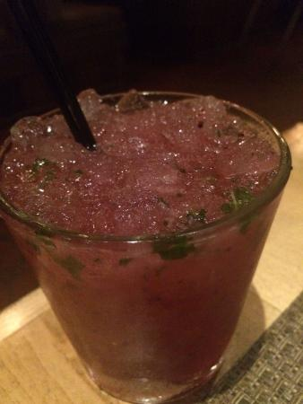 Cola's Restaurant : blueberry mojito
