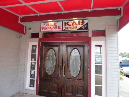 Kahului Ale House : New front doors...