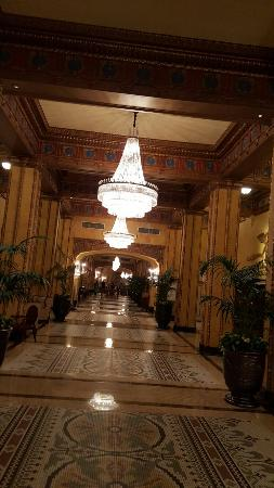 The Roosevelt New Orleans, A Waldorf Astoria Hotel: 20160326_213143_large.jpg