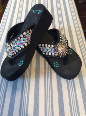 Chester, VT: Flip flops with bling!