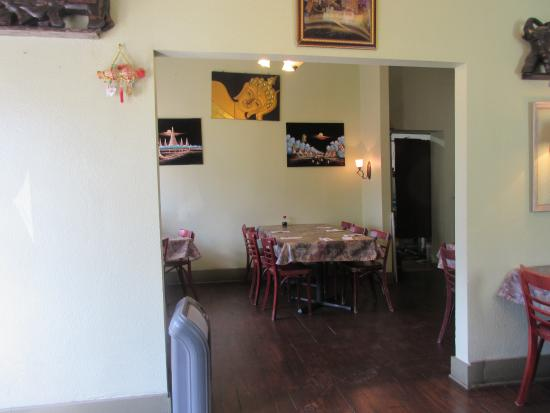 Dara Thai Cafe : Nicely decorated and clean