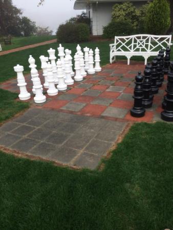 Irvington, VA: Chess anyone?