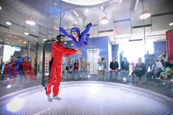 ‪iFLY Indoor Skydiving - Loudoun‬