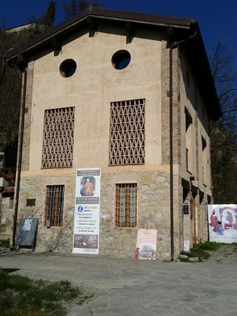 Canossa, Ý: da fuori