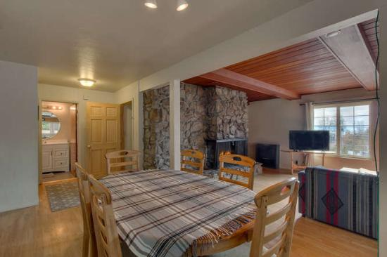 Tahoe Vistana Inn: Standard Lake View 2 Bedroom