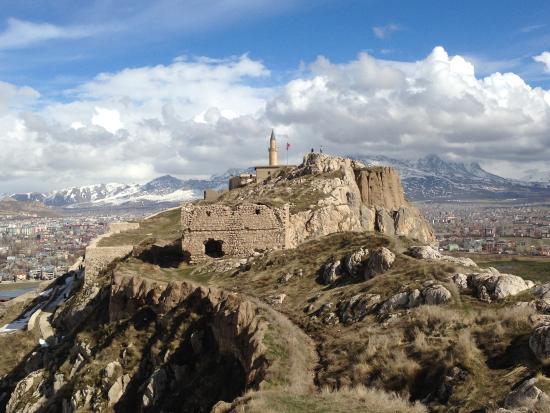 photo6.jpg - Picture of Van Castle (Van Kalesi), Van ...
