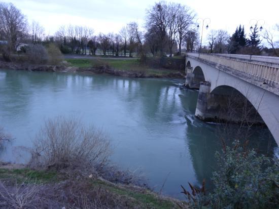 Aux Tourmarniotes: La Marne, à proximité...