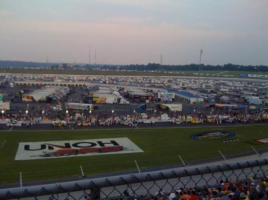 Fireball evans picture of kentucky motor speedway for Motor inn spirit lake iowa