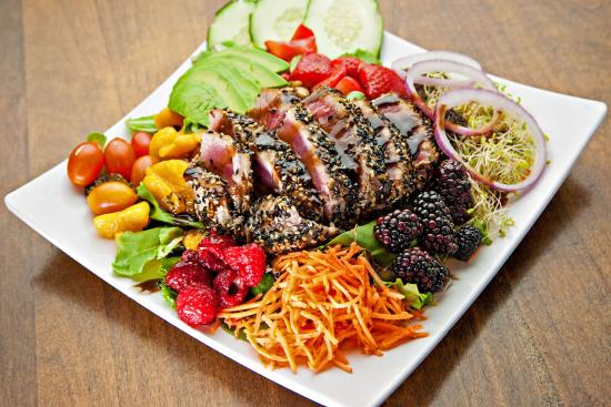 Swami's Cafe: Nutritious Salads